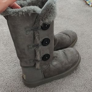 6 Bailey Boots 3 buttons winter